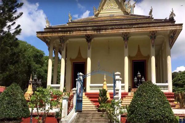 chùa hang trà vinh 2