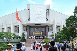 Thăm Quan Bảo Tàng Hồ Chí Minh Tại Hà Nội
