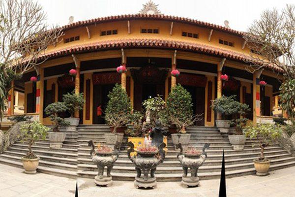 chùa quán sứ 1