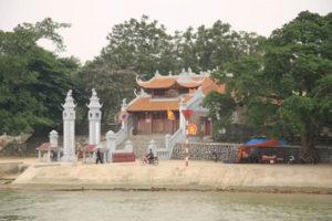 Đền Cờn – Ngôi Đền Linh Thiêng Bật Nhất Xứ Nghệ