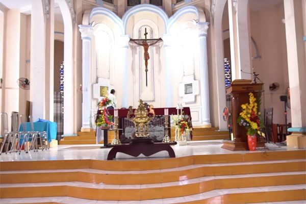 nhà thờ jeanne d arc 4