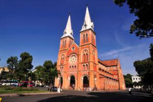 Nhà Thờ Đức Bà – Công Trình Kiệt Tác 139 Năm Tuổi Giữa Trung Tâm Sài Gòn