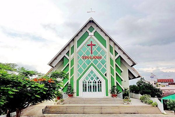 nhà thờ tin lành