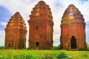 Khám Phá Tháp Bánh Ít – Kiến Trúc Chăm Tại Bình Định
