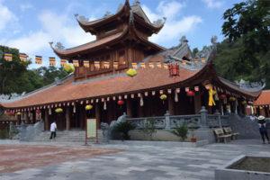 Đến Chùa Côn Sơn Thưởng Thức Cảnh Đẹp Tuyệt Vời Xứ Đông