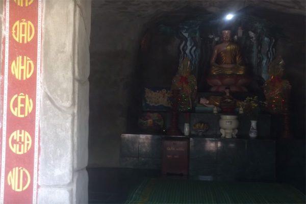 chùa hang 4