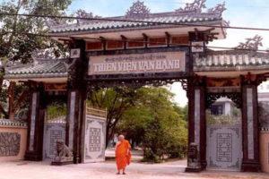 Thăm Quan Thiền Viện Vạn Hạnh Tại Xứ Sở Ngàn Hoa Đà Lạt