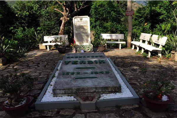 mộ alexandre yersin 2