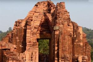 Tháp Cổ Của Thánh Địa Mỹ Sơn.