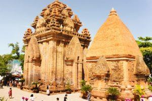 Khám Phá Tháp Bà Ponagar Nha Trang – Di Sản Văn Hoá Chăm Lớn Nhất Việt Nam