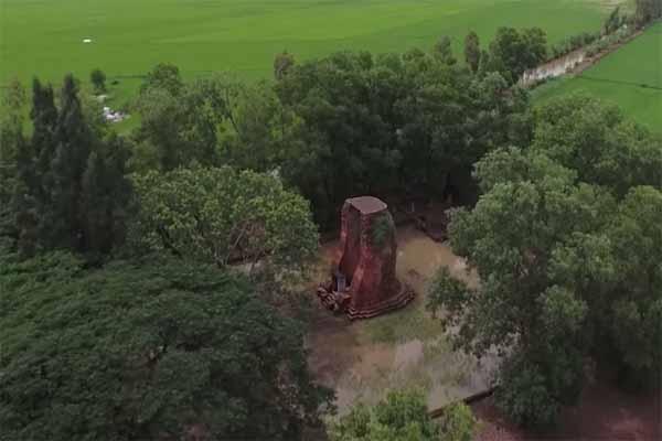 tháp cổ vĩnh hưng 2