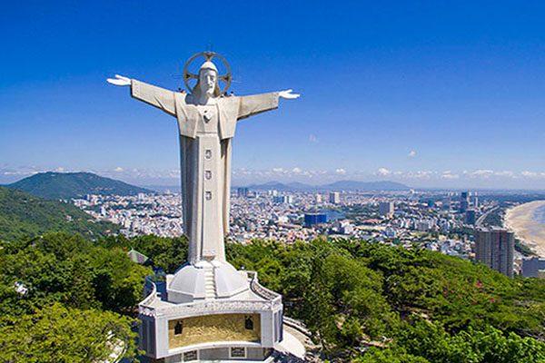 Tượng chúa Giêsu Kito Vua- địa điểm du lịch Vũng Tàu