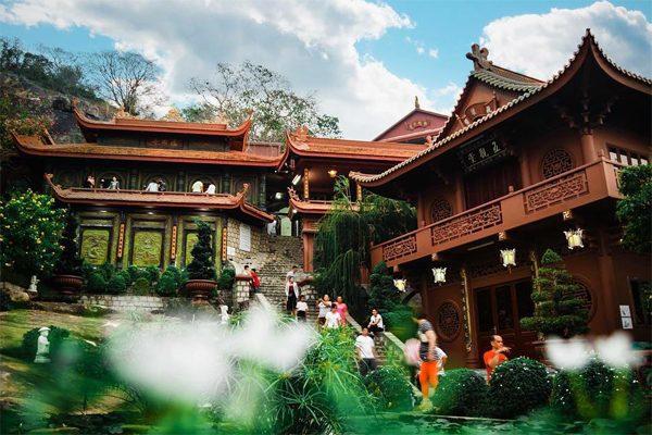 chùa hang châu đốc