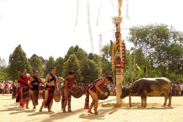 lễ hội tây nguyên