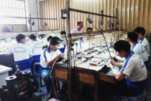 Tìm Hiểu Về Nghề Kim Hoàn Tại Việt Nam