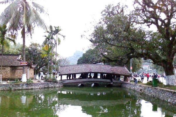chùa thầy 1