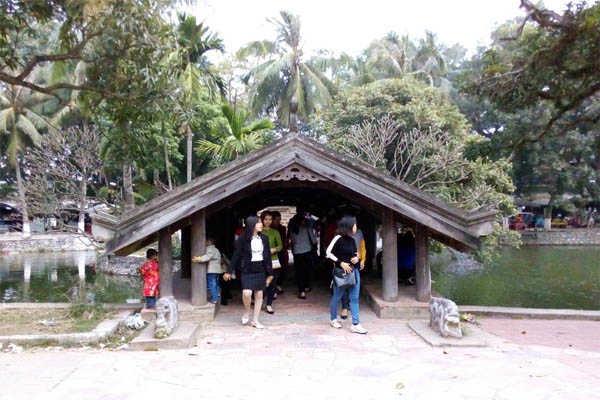chùa thầy 2