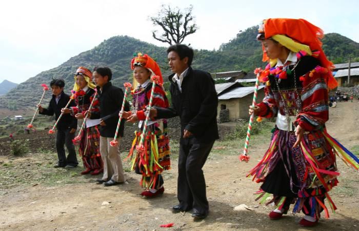 điệu múa dân tộc dao