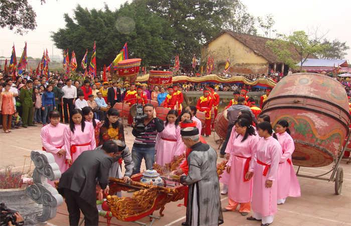 lễ hội đền chử đồng tử