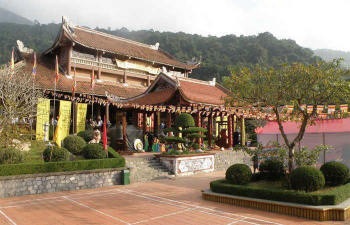 chùa hoa yên