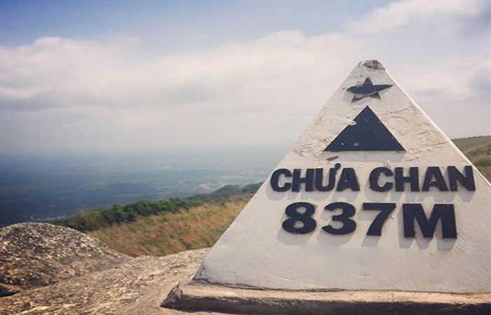 núi chứa chan 1