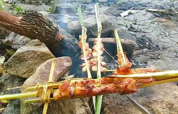 thịt nướng núi chứa chan